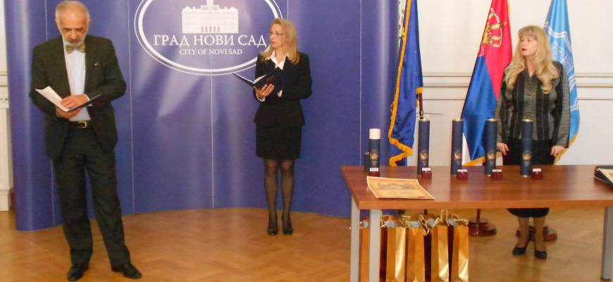 Predsednik Mladen Bulut pozdravlja goste i laureate