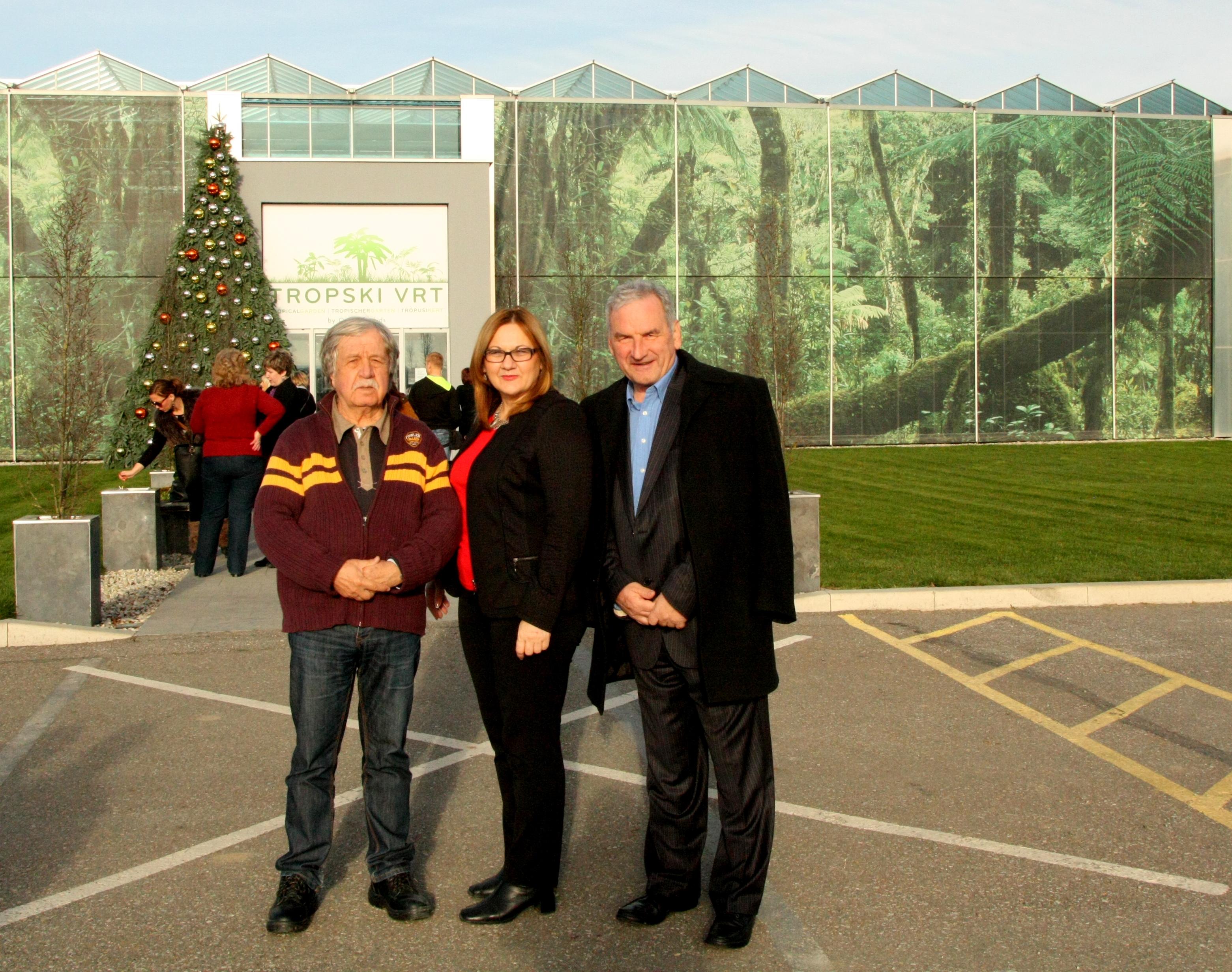 Fotografija za pamćenje: organizatori susreta sa Stojankom Lekić, narodnom poslanicom