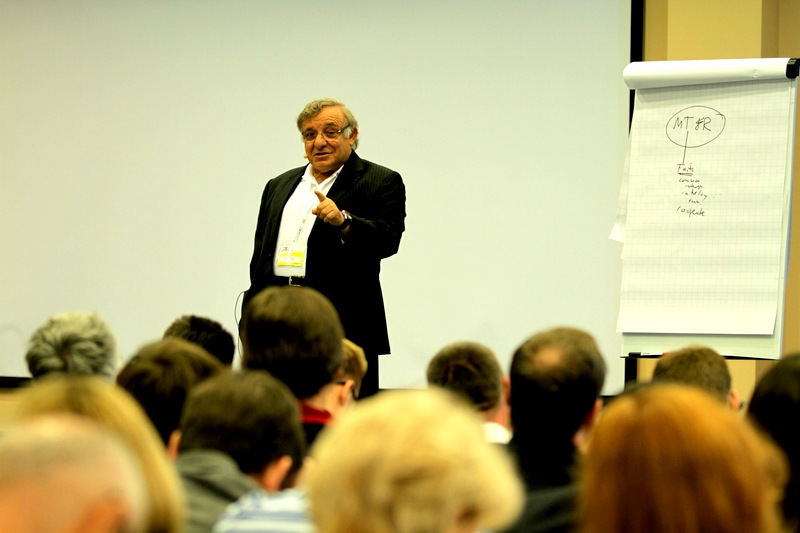 ichak-adizes-na-predavanju-u-rusiji