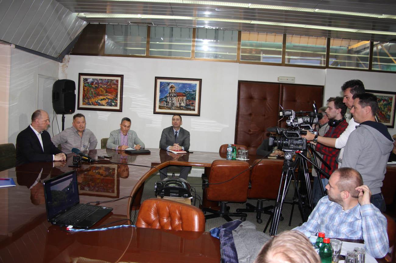 5-detalj-sa-press-konferencije