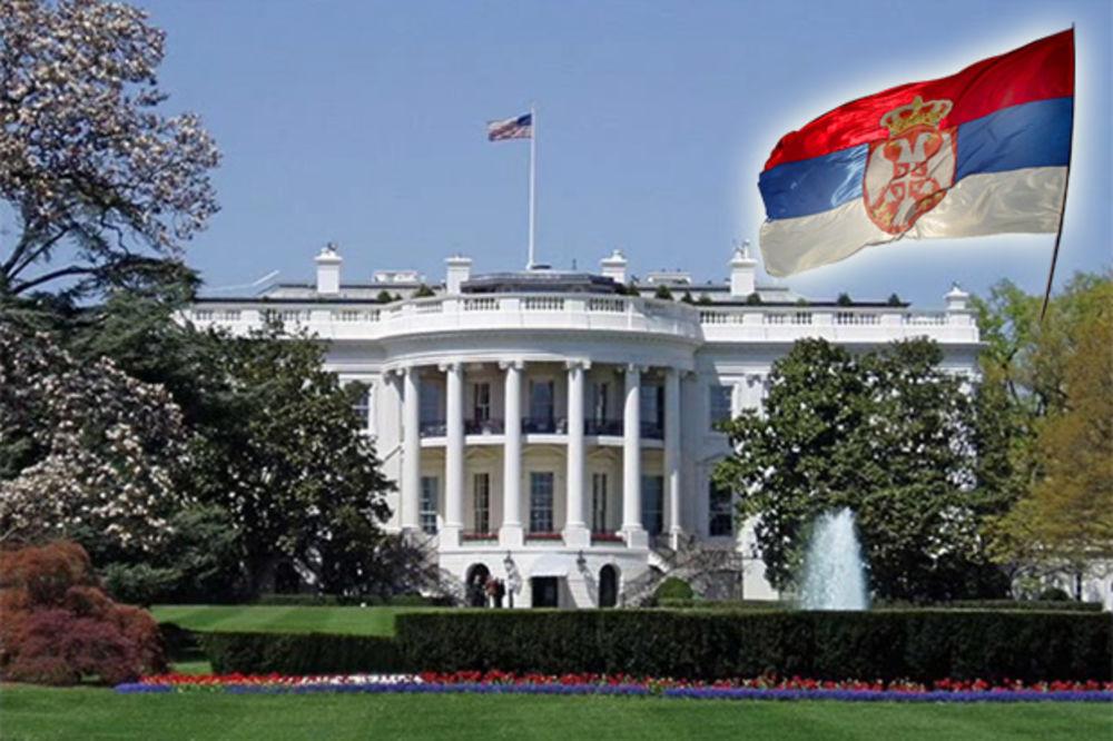 bela-kuca-i-srpska-zastava