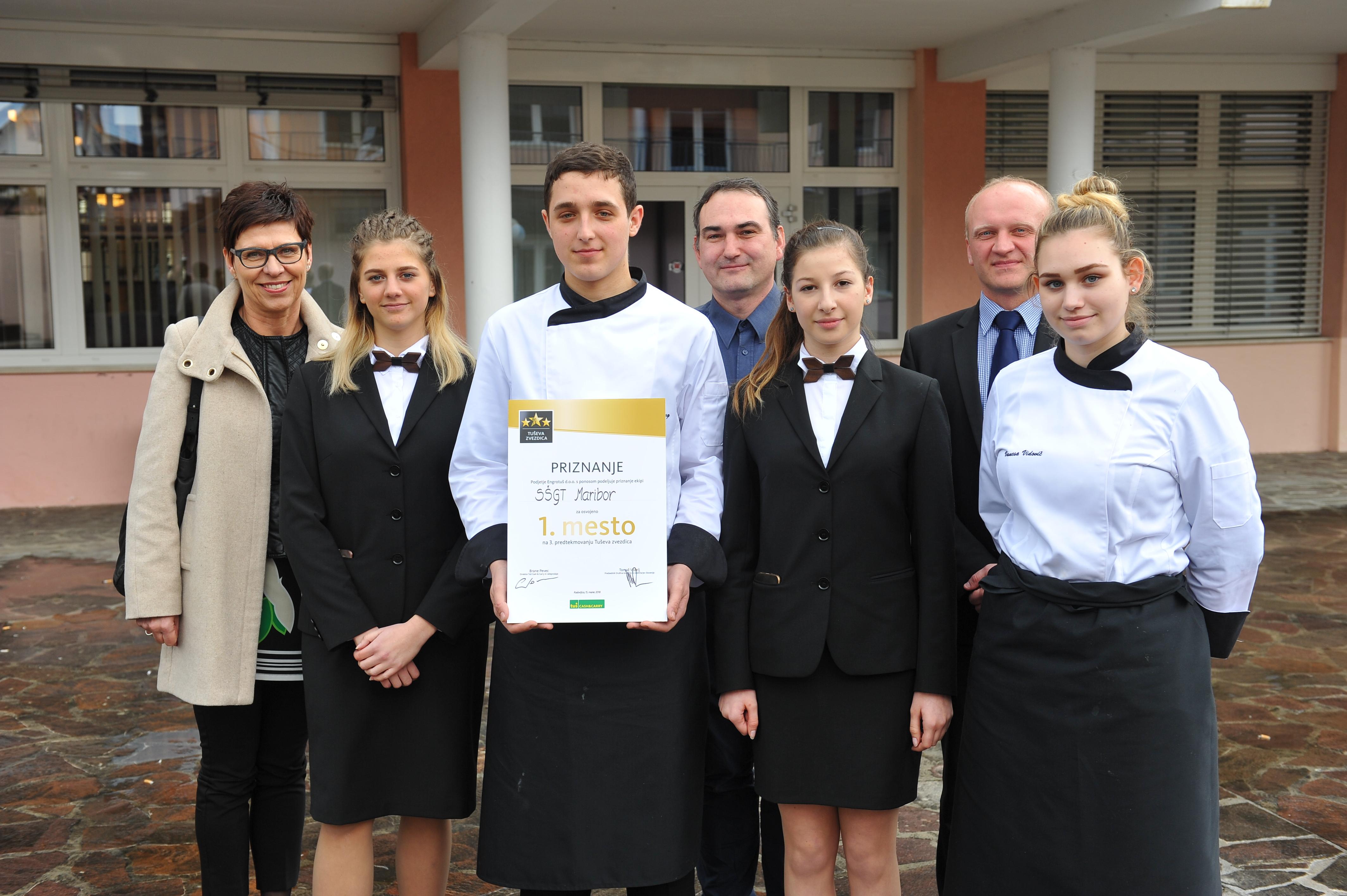 zmagovalna-ekipa-srednje-sole-za-gostinstvo-in-turizem-maribor