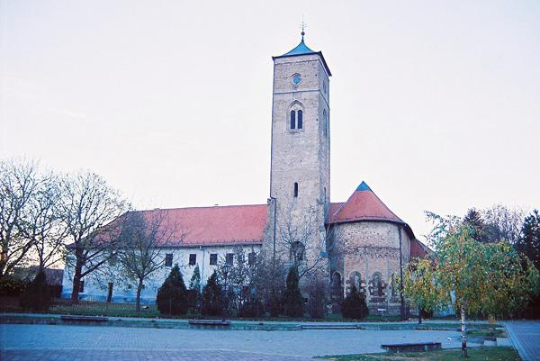 1-franjevacki-samostan-u-bacu