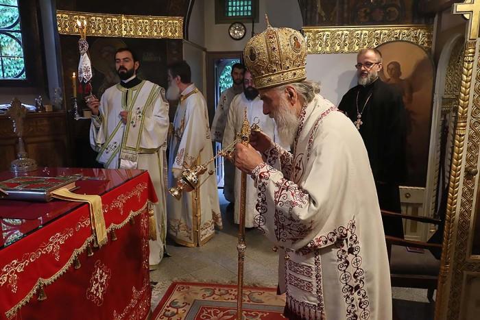 patrijarh-irinej-liturgija-700x467