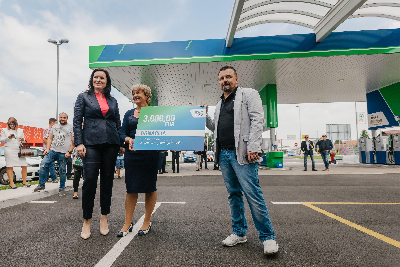 omv-slovenija-je-ob-otvoritvi-bencinskega-servisa-na-ptuju-splosni-bolnisnici-ptuj-doniral-3-00000-evrov-za-nakup-opreme-v-urgentnem-oddelku