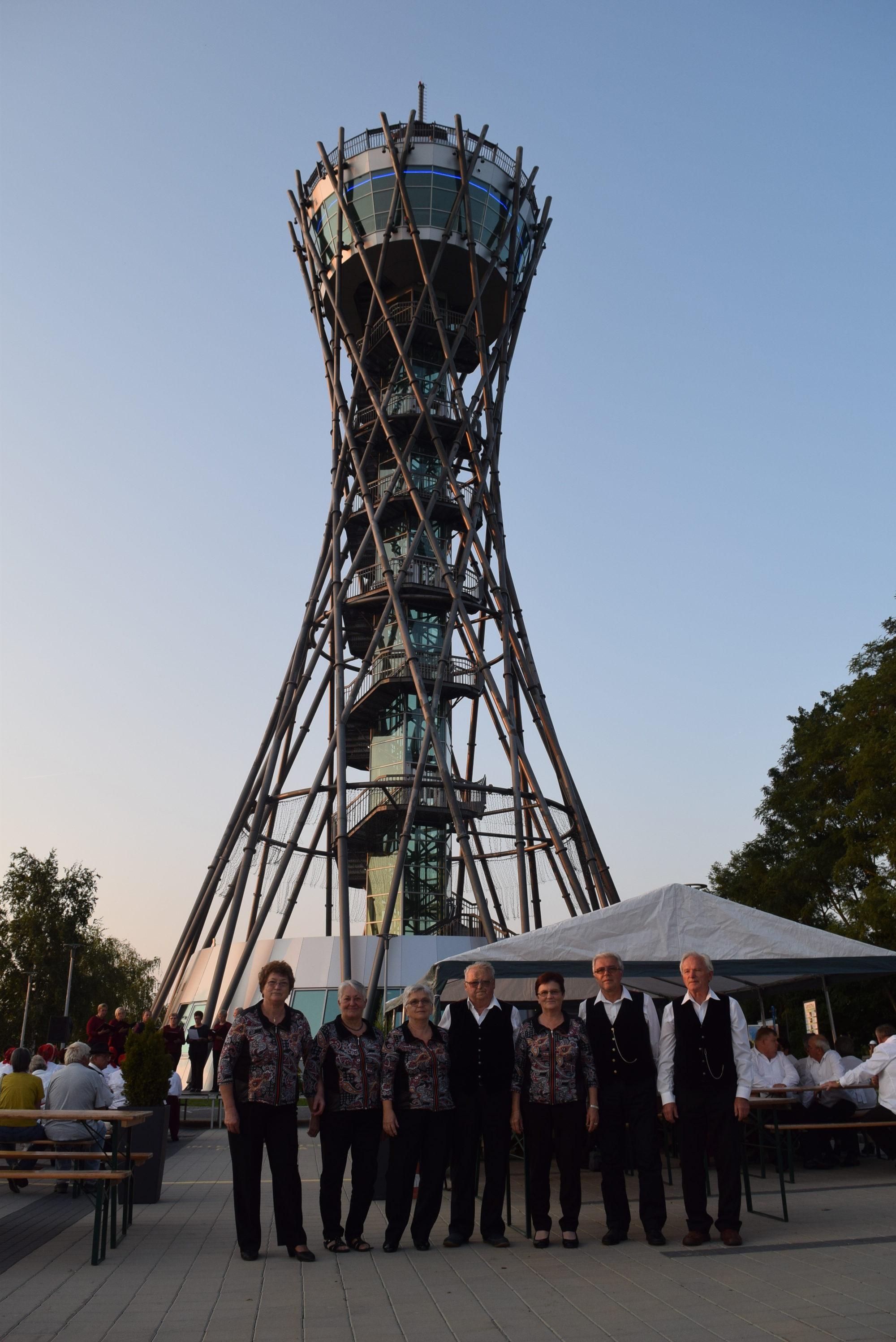 pred-stolpom-vinarium-v-lendavskih-goricah