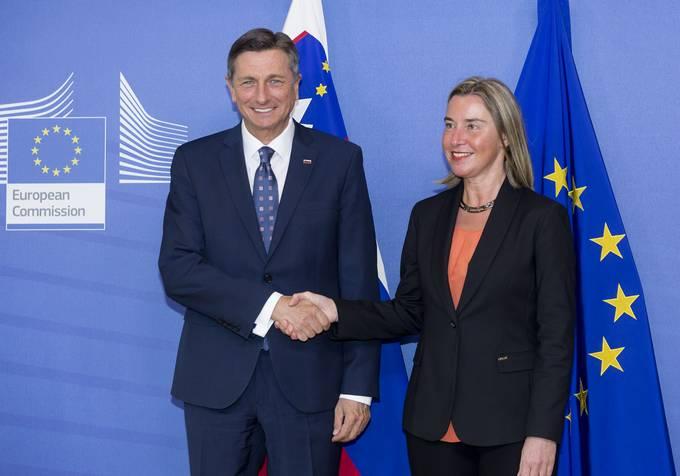 Belgija, Bruselj. Obisk predsednika republike Boruta Pahorja v Bruslju. Srecanje predsednika republike z visoko predstavnico EU za zunanjo in varnostno politiko Federico Mogherini. Predsednik republike Borut Pahor in visoka predstavnica EU za zunanjo in varnostno politiko Federica Mogherini.