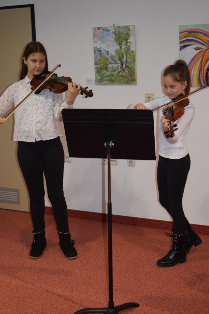 violinistki-lara-pucko-levo-in-ziva-vidonja