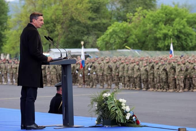 Cerklje ob Krki, Vojasnica Jerneja Molana. Osrednja slovesnost ob dnevu Slovenske vojske. Slavnostni govornik, predsednik republike Borut Pahor.
