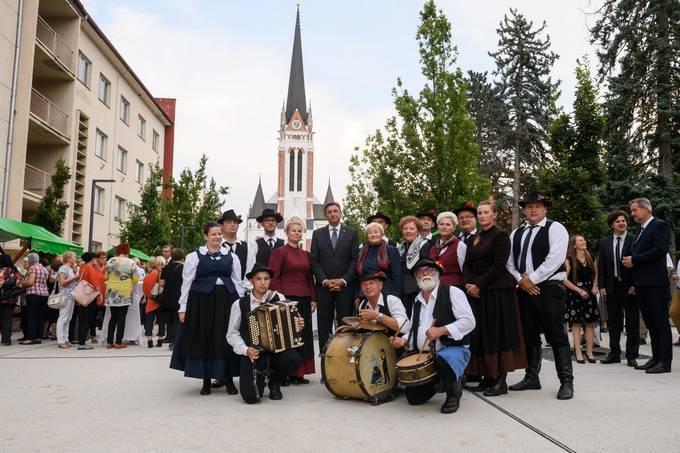 Murska Sobota, Evangelicanska cerkev Martina Luthra. Evangelicansko bogosluzje ob 100. obletnici zdruzitve prekmurskih Slovencev z maticnim narodom.