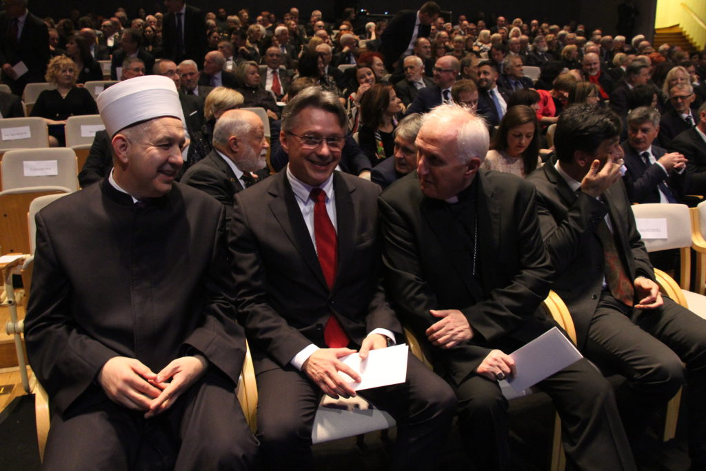 evangelican-musliman-in-katolik