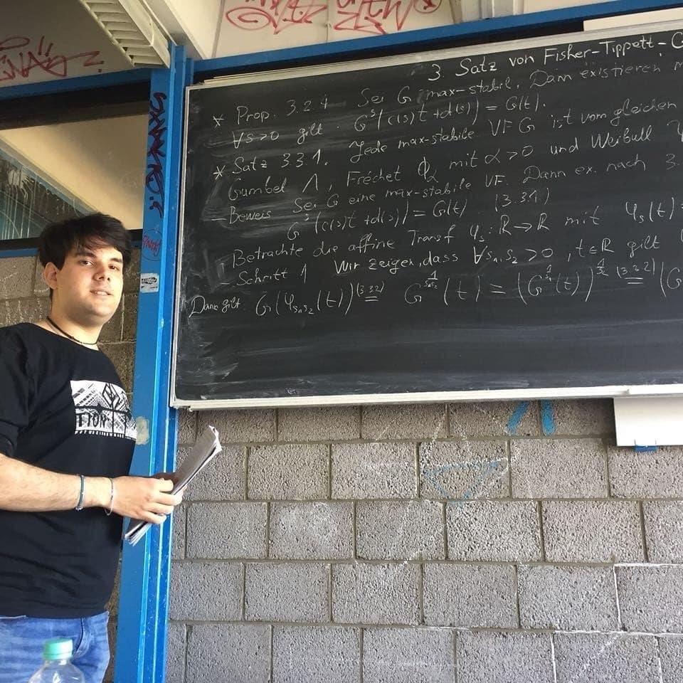 radovan-mihajlovic-drzi-predavanje-na-tehnickom-univerzitetu