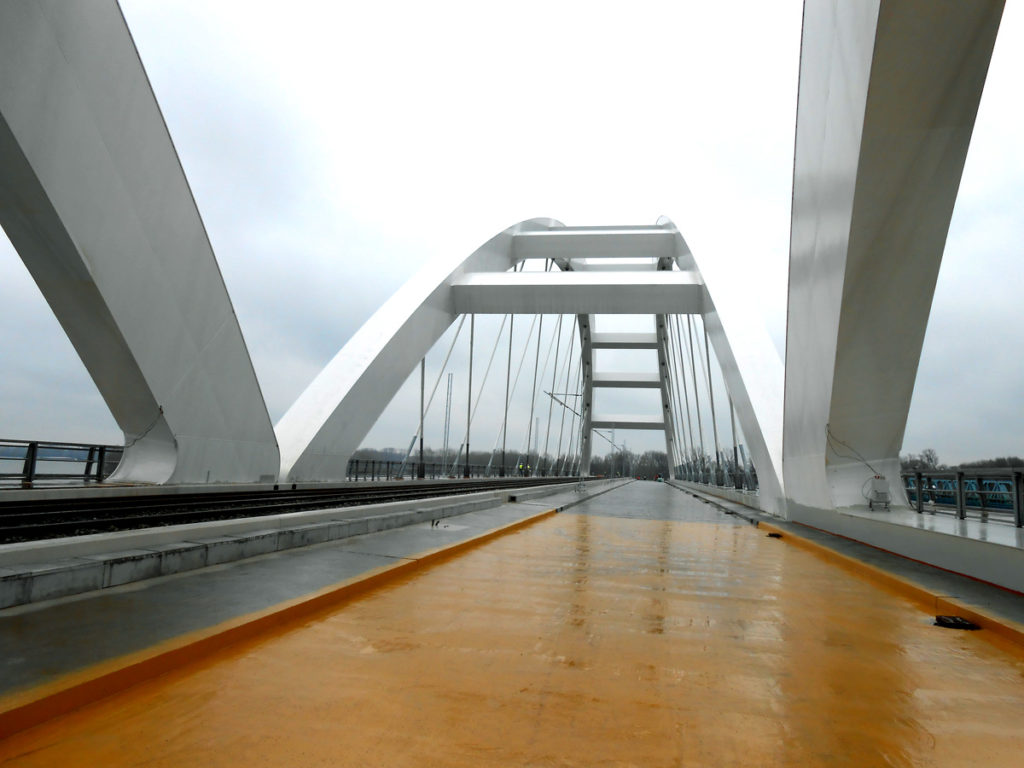 2-obnovljeni-zezeljev-most-ceka-cetvrti-most